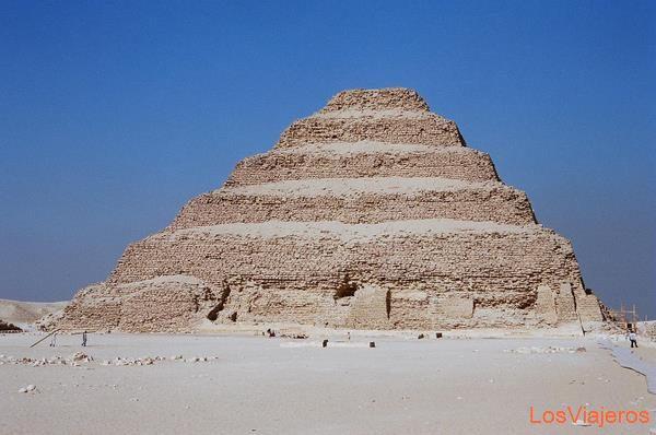 Step Pyramid of Djoser-Sakkara-Egypt Pirámide escalonada de Zoser-Saqqara-Egipto