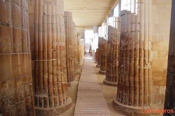 Colonnade-Sakkara-Egypt Columnata-Saqqara-Egipto