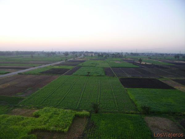 Vuelo en Globo sobre el Valle de los Reyes -Egipto Travel in globe over the Kings Valley -Egypt