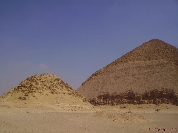Subsidiary pyramid -Cairo- Egypt Pirámide subsidiaria -El Cairo- Egipto