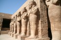 Ir a Foto: Luxor - Estatuas gigantes -Egipto  Go to Photo: Luxor and Karnak Temple -Egypt