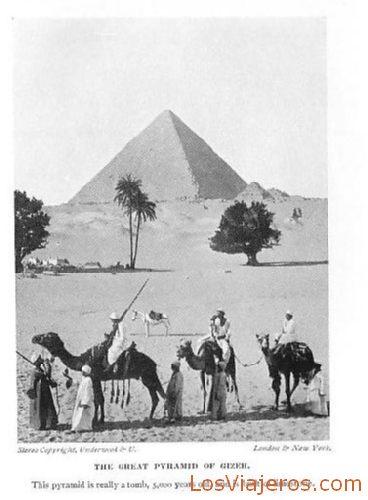 Pyramids of Gizeh - Egypt Pirámides de Guiza - Egipto
