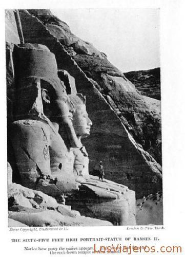 Profile in Abu Simbel - Egypt Vista de perfil en Abu Simbel - Egipto