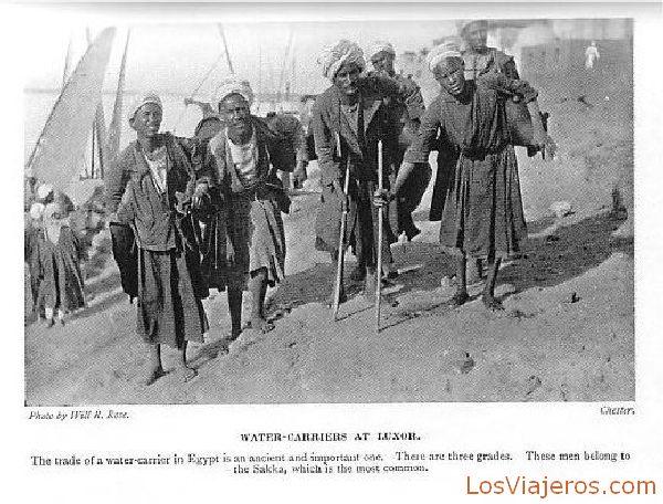 Aguadores en Luxor - Egipto