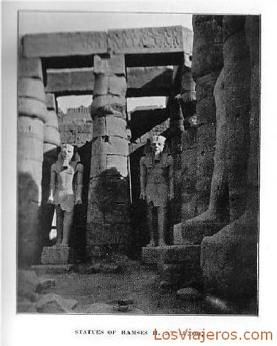 Statues of Rameses II in the temple of Luxor - Egypt Estatuas de Ramsés II en el templo de Luxor - Egipto