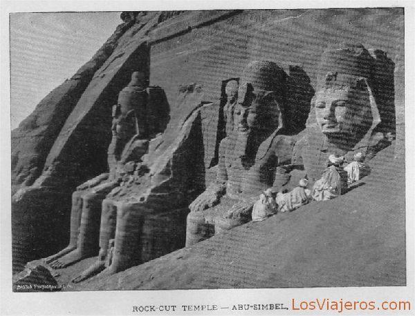 Main temple in Abu Simbel - Egypt Templo principal en Abu Simbel - Egipto