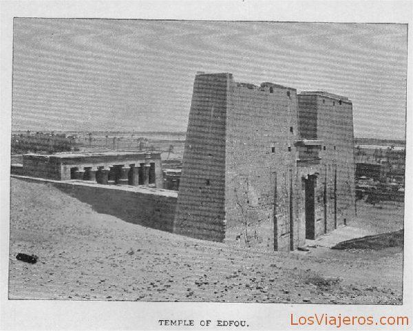 Exterior del templo de Edfú - Egipto