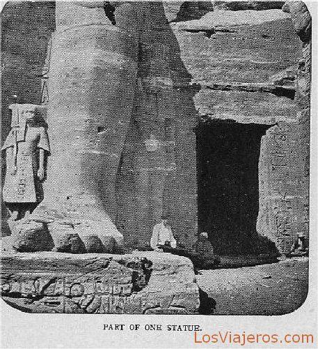 Part of the statue at Abu Simbel - Egypt Parte de una estatua en Abu Simbel - Egipto