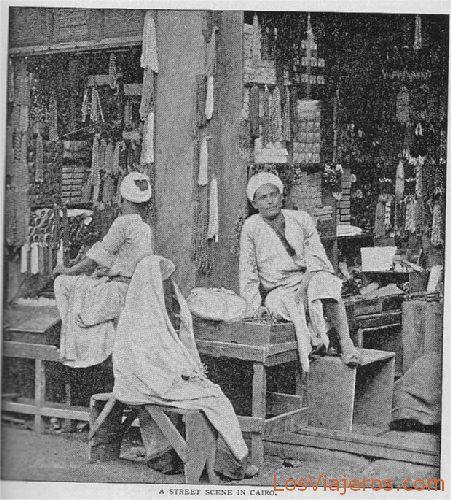 Street scene in Cairo - Egypt Tienda en El Cairo - Egipto