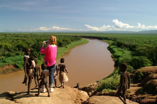 Eva y la tribu Karo - Murille - Valle del Omo - Etiopia