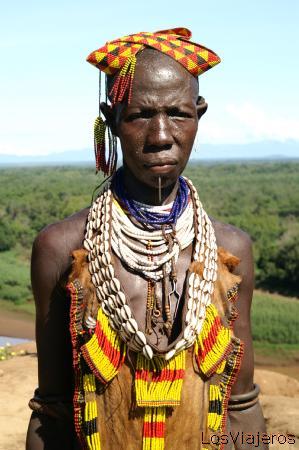 Karo woman - Omo Valley - Ethiopia Mujer Karo - Valle del Omo - Etiopia