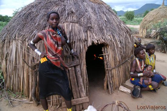 Tsamai Tribe - Weyto - Ethiopia Tribu Tsamai - Weito - Etiopia