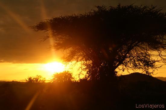 Amanece sobre el valle -Weito- Etiopia Sunset over the valley -Weyto- Ethiopia