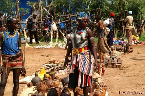 Mercado de Keyafer - Valle del Omo - Etiopia Keyafer Market - Omo Valley - Ethiopia