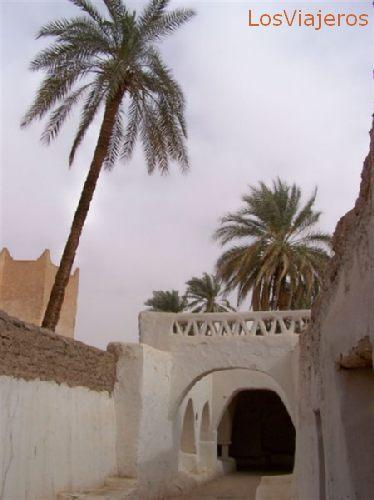 Ghadames,  Patrimonio de la Humanidad, y puerta al desierto - Libia Ghadames, part of Human Heritage, and gate to the desert - Libya