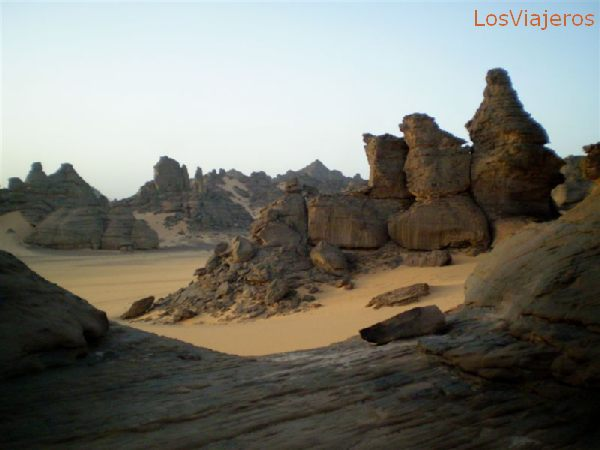 Akakus, on late evening, a wonderful show - Libya Akakus, a la caída de la tarde, un espectáculo maravilloso - Libia