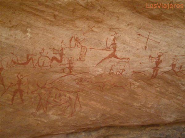 Escenas de caza pintadas en la roca - Libia Hunting scenes, drowned over the rock - Libya