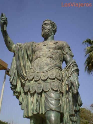 Leptis Magna, Septimus Severus statue - Libya Leptis Magna, estatua de Séptimo Severo - Libia