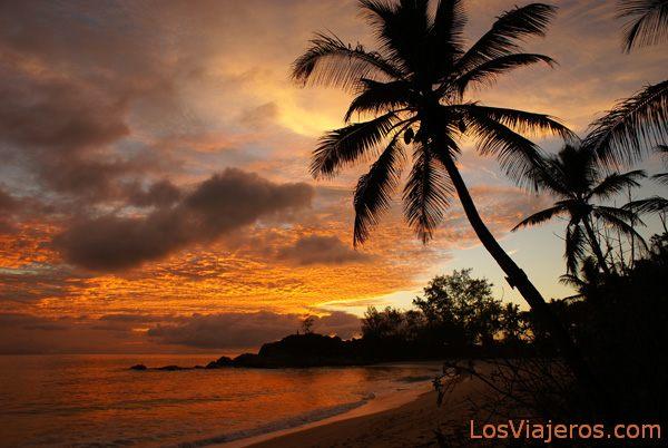 Getting dark - Seychelles Anochecer - Seychelles