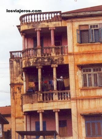 Porto Novo's old building - Benin Viejos edificios de Porto Novo- Benin