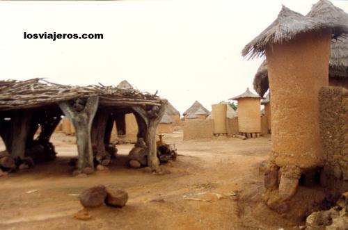 Traditional Senoufo Village - Niofouin - Korhogo - Ivory Coast / Cote d'Ivoire Poblado Senoufo - Niofouin - Korhogo - Costa de Marfil
