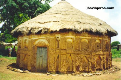 Round Mosque - Kasounbarga - Korhogo - Ivory Coast / Cote d'Ivoire Mezquita circular - Kasounbarga - Korhogo - Costa de Marfil