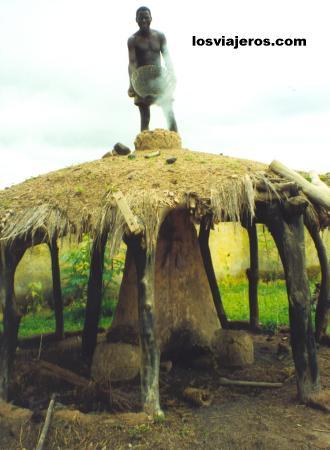 Senoufo Artisans - Koni - Korhogo - Ivory Coast / Cote d'Ivoire Artesanos senufos - Koni - Korhogo - Costa de Marfil