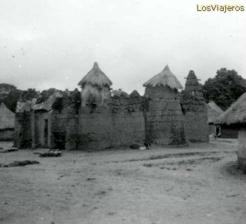 Village - Kato - near Korhogo - Ivory Coast / Cote d'Ivoire Poblado - Kato - cerca de Korhogo - Costa de Marfil