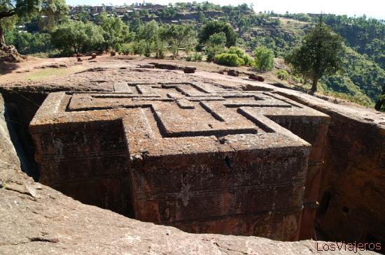 Iglesa de San Jorge escavada en Piedra- Lalibela - Etiopia