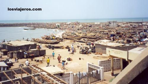 Fisher's port in Accra - Ghana Otra vista del puerto pesquero - Accra - Ghana