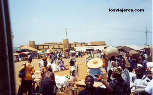 Frontera entre Ghana y Togo cerca de Lome