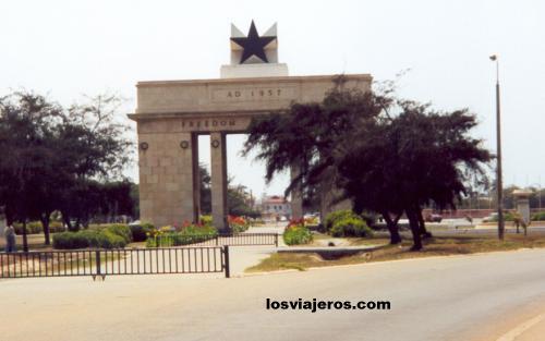 Independence Arch - Accra - Ghana Arco de la Independencia - Accra - Ghana