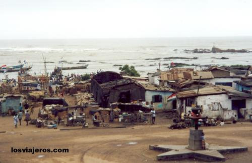View of the Port from Fort Sebastian - Shama - Ghana Vista del Puerto desde Fuerte Sebastian - Shama - Ghana