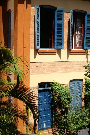 Casa Colonial -Antananarivo- Madagascar Colonial House -Antananarivo- Madagascar