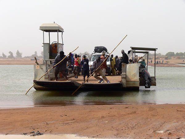 Transbordador - Djenné - Mali Boat to Djenné - Mali