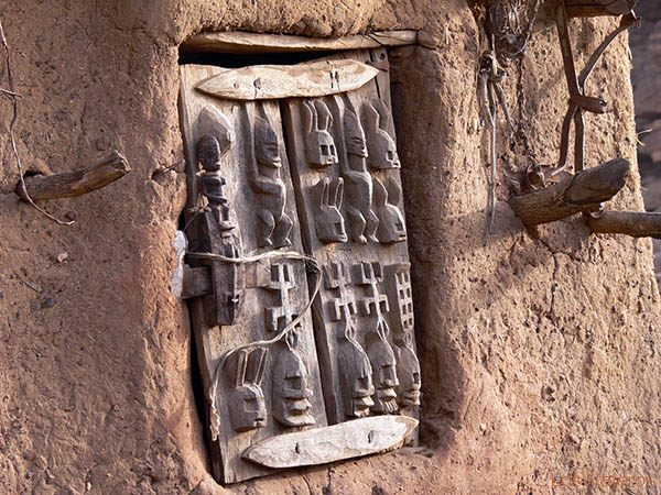 Dogon Door - Bandiagara Escarpment - Mali Puerta Dogona - Falla de Bandiagara - Mali