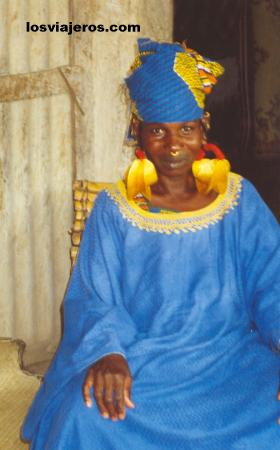 Peul woman with traditional golden earrings. Sahel - Mali Peul woman with traditional golden earrings. Sahel - Mali