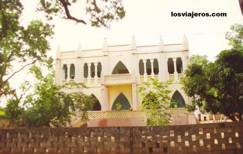 Segou - Colonial Architecture in Segou - Mali Segou - Arquitectura colonial francesa en Mali.