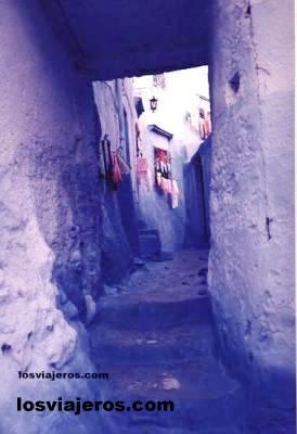 Color azul en calle del Rift - Morocco Color azul en calle del Rift - Marruecos