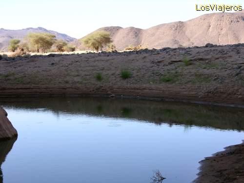 Rain water in Sahara - Niger Agua de lluvia en el Sahara - Niger