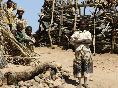 Touareg village near Agadez - Niger. Poblado touareg cerca de Agadez - Niger