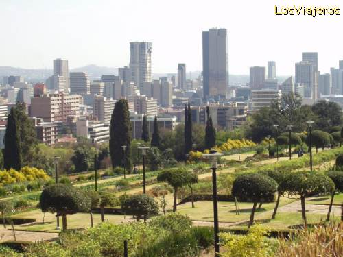 Partial view of the city from the Parliament hill - South Africa Vista parcial de la ciudad de Pretoria desde la colina del parlamento - Sud Africa