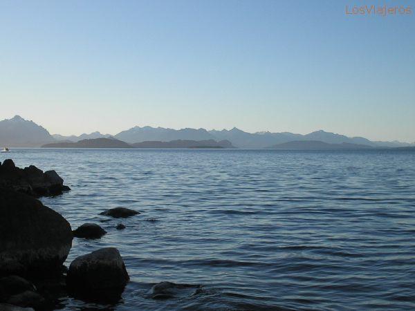 Nahuel Huapi Lake - Bariloche, Río Negro - Argentina Lago Nahuel Huapi - Bariloche, Río Negro - Argentina