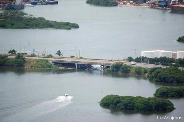 Puente de acceso al centro - Cartagena de Indias - Colombia