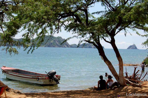 Vistas desde Playa Grande - Santa Marta - Colombia Big beach´s views - Colombia