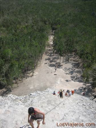 Pyramid of Nohoch Mul - Coba - Quintana Roo - Mexico Piramide de Nohoch Mul - Coba - Quintana Roo - Mexico