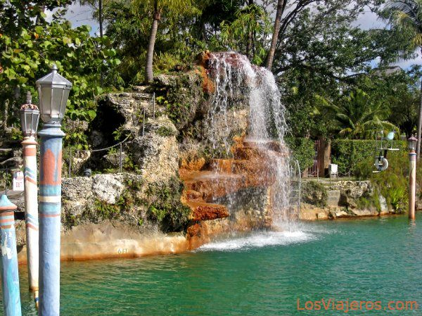 waterfall of the venetian pool in coral gables miami