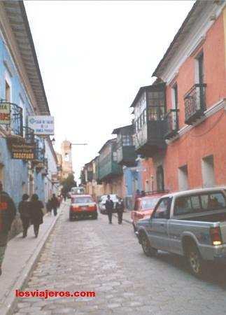 Street of Potosi - Bolivia Calle de Potosi - Bolivia