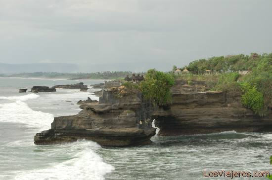 Views from Tanah Lot Temple -Bali- Indonesia Vistas desde el templo Tanah Lot -Bali- Indonesia
