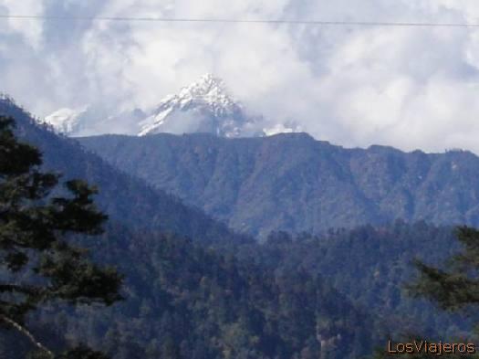 Everest from Dochola - Bhutan Everest desde Dochola - Bhutan